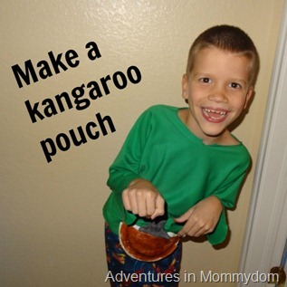 make a paper plate kangaroo pouch